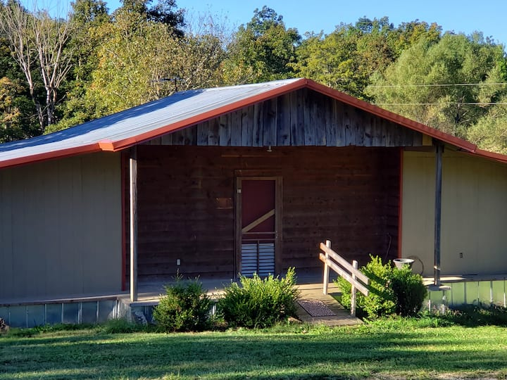 Trailhead Cabin