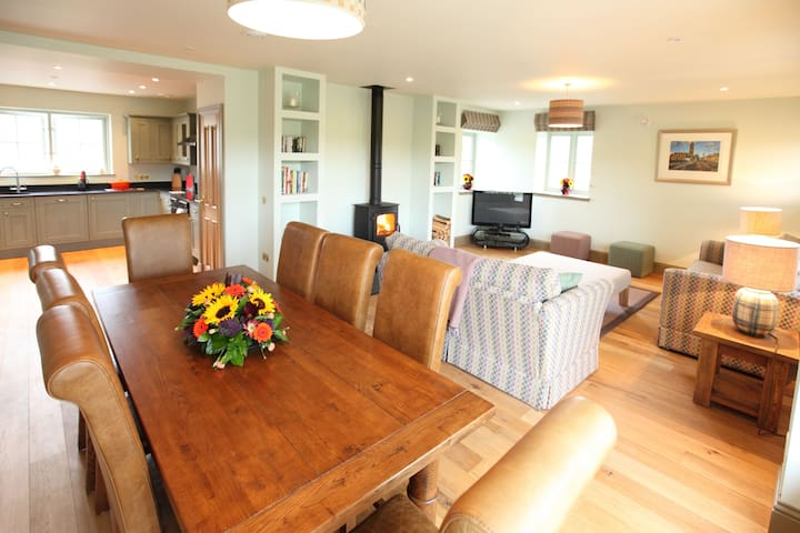 Dignity: 5* Luxury Self Catering - Scottish Borders - House