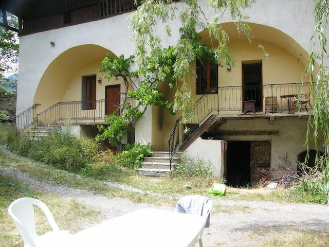 Maison typique à Risoul village - Risoul - บ้าน