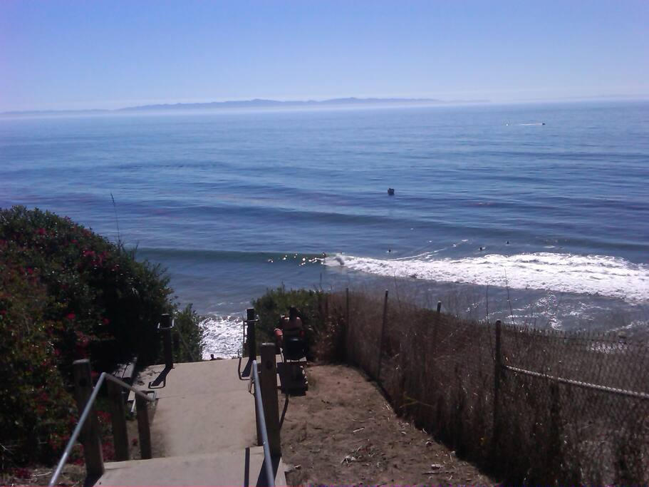 Surfs Up!! Walk 1 minute to the beach access, down the famous Mesa Staircase and you're on the beach!