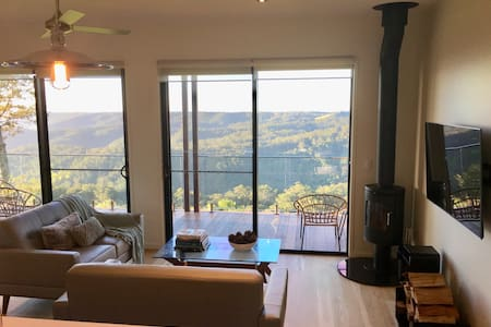 Scandinavian Cabin - Maleny - One Bedroom