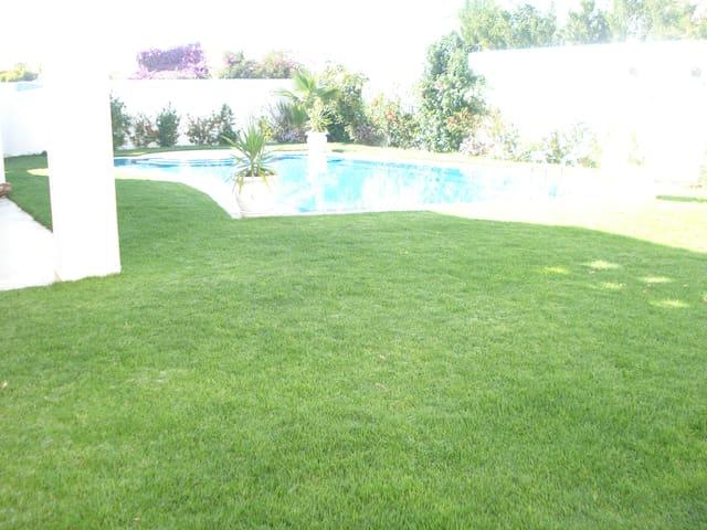 Charming villa near sea and port - Yasmine Hammamet - Ev