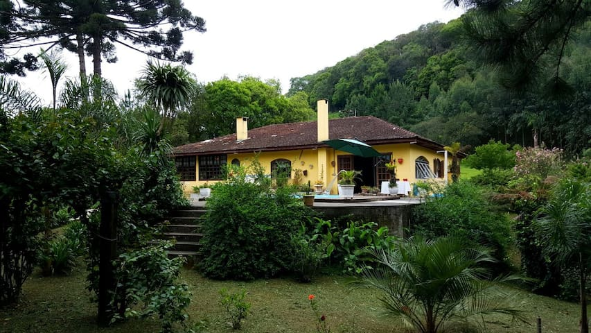 Sítio Primavera - Casa de Campo - Almirante Tamandaré - Kulübe