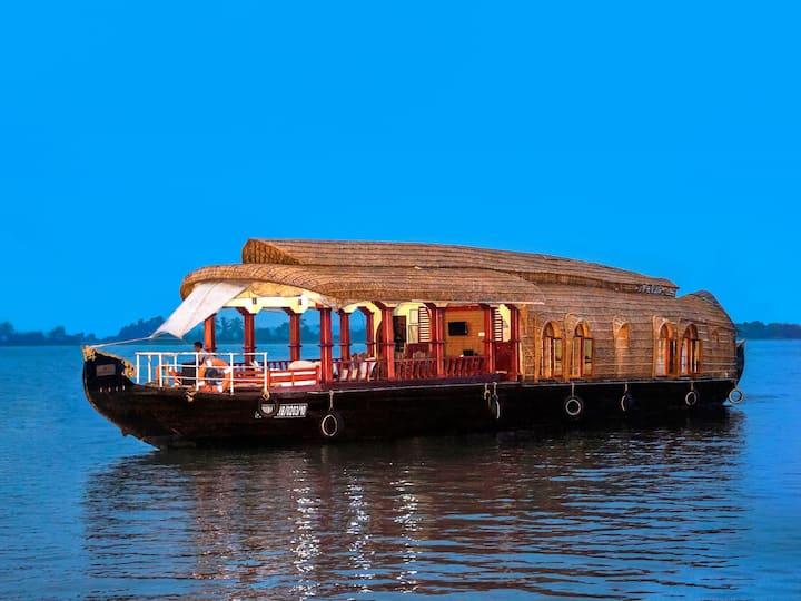 Aqua Jumbo Houseboat