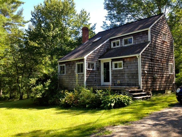 Fabulous cottage/850sq. ft on 8 private acres - Lincolnville - Rumah