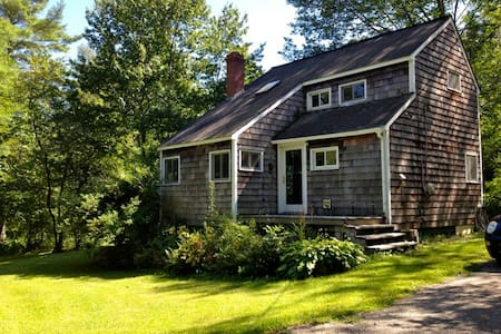 Fabulous cottage on 8 private acres - Lincolnville