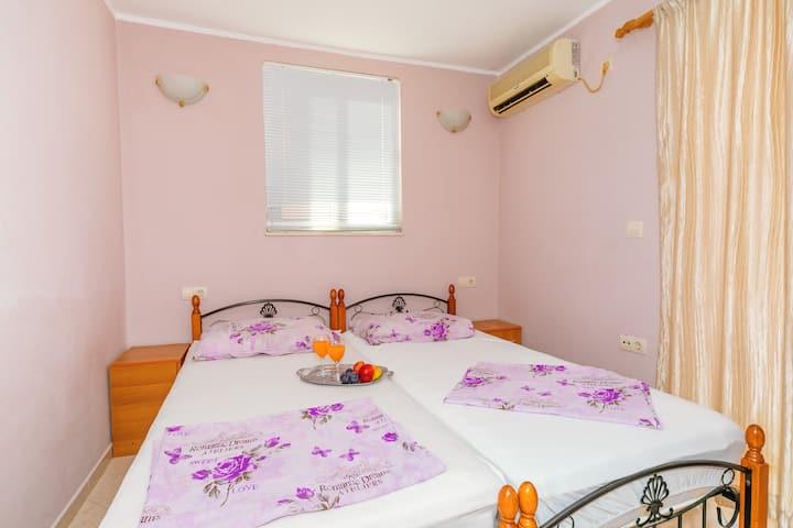 Guest House Edita - Standard Twin Room