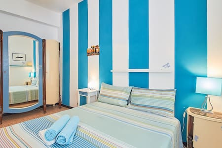Finalborgo a blue room