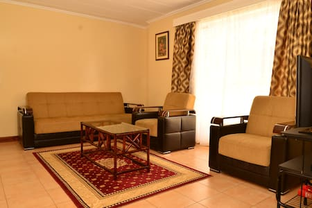 2 bedroom apartment, sleeps 4 - Nairobi - Apartamento
