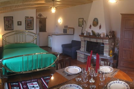 Cozy open space/garden/wifi/incredible amenities - Castelnuovo di Porto (RM) - Huis