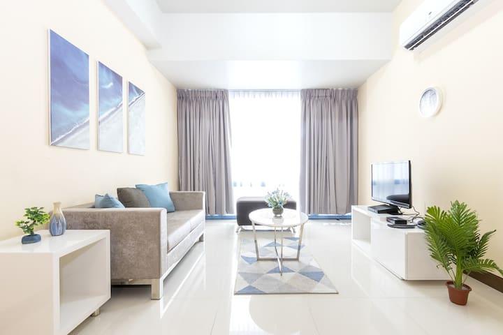 Cozy & Spacious 1 Bedroom in Makati CBD  (M16)