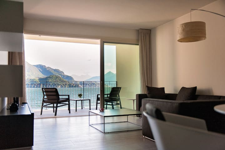 Right across from the picturesque Villa Del Balbianello, one of the lake's highlights and featured in some of the hollywood greats