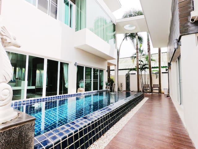 Rawai Naiharn 2 bedroom 4people pool villa