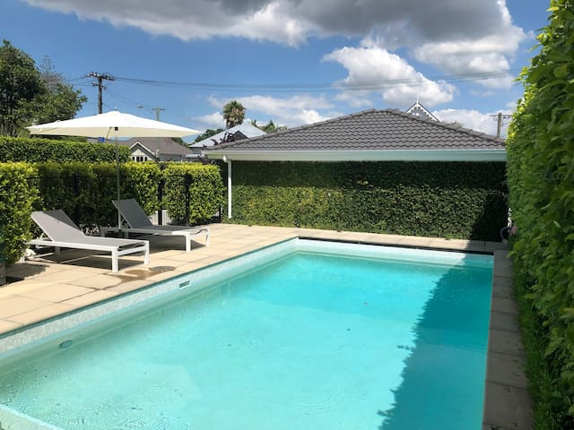Private Pad in Parnell with Separate  Entrance