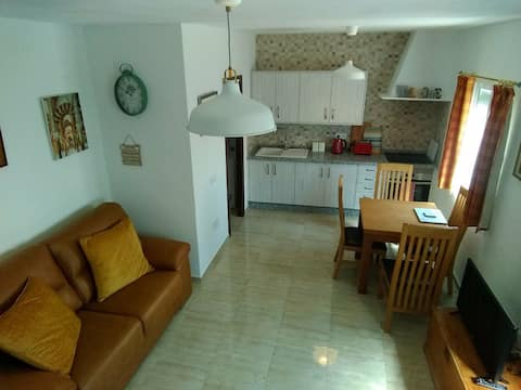 Newly reformed house, close to the centre of Àlora