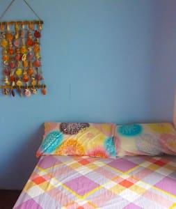 1 Single Room Aventura BnB Siquijor - San Juan - Bed & Breakfast