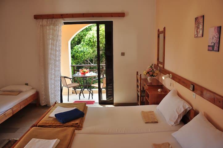 Family room 4bed-Palekastro, Crete - Itanos - Bed & Breakfast