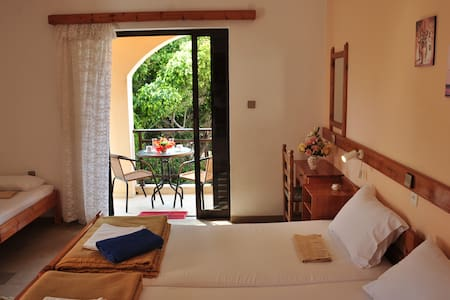 Family room 4bed-Palekastro, Crete - Itanos - Bed & Breakfast