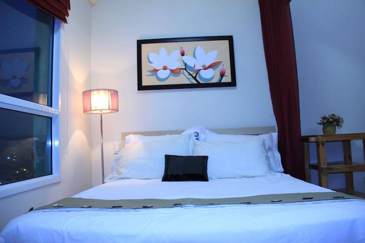Luxury 1BR Apart,Crooftop Pool,5 minutes to center - Ho Chi Minh City - Apartment