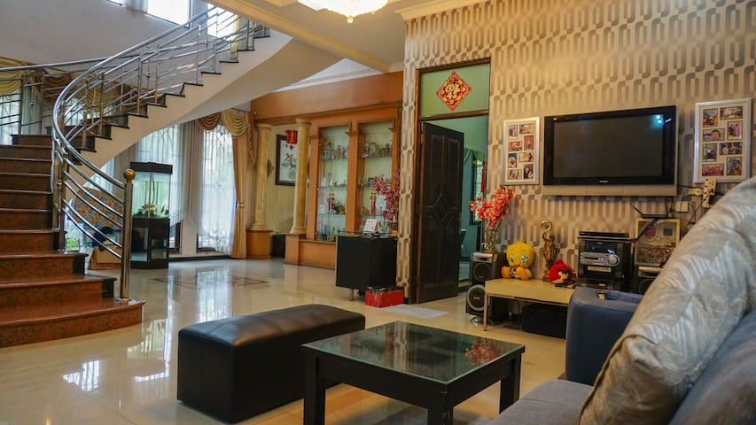 Homey place near Supermall - Fit up to 15 people
