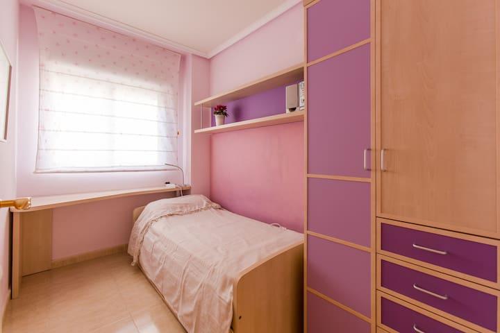 Bedroom 3 / Спальня 3 / dormitorio 3.