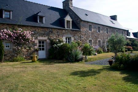 Kerlilou chambres d'hôtes bretagne - Plouguiel - Bed & Breakfast