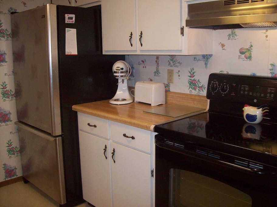 Well equipped full size kitchen.
