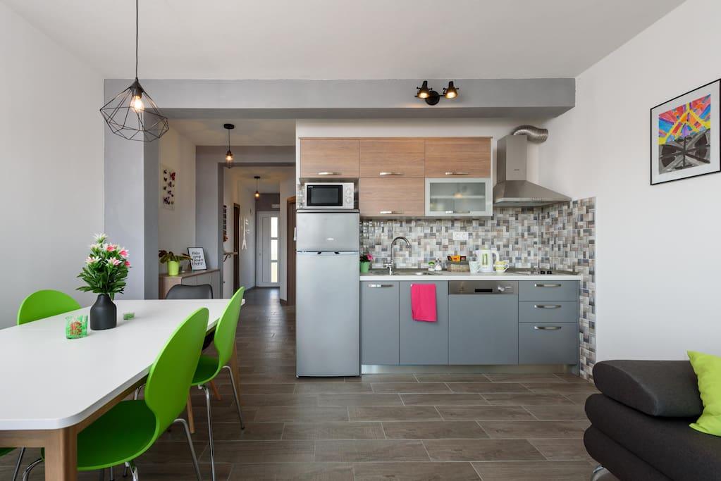 kitchen dinning area, living room