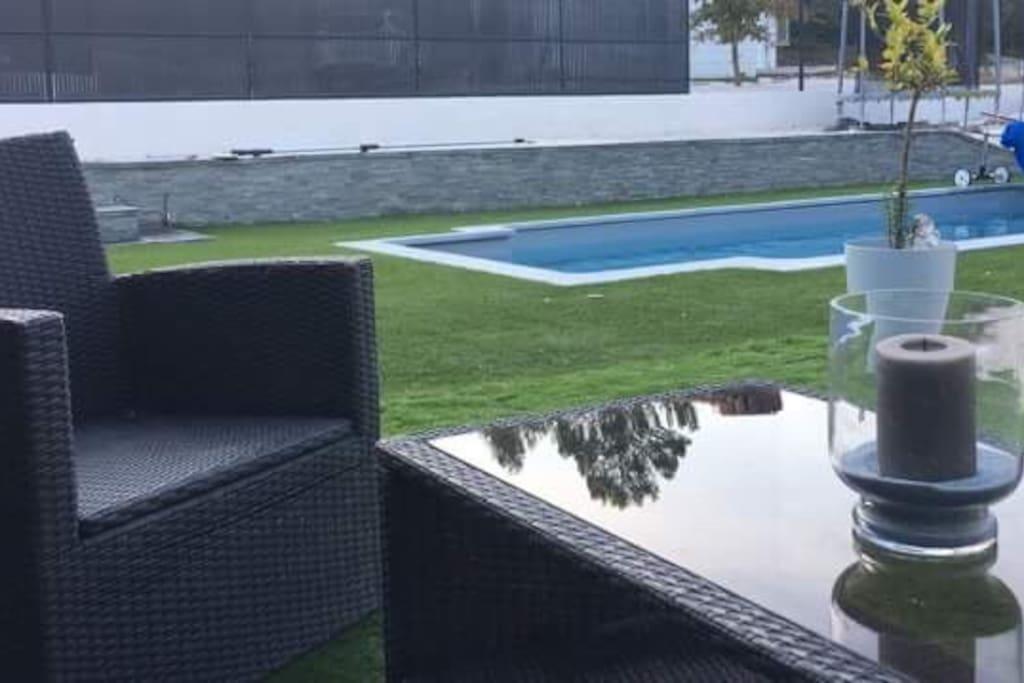 Accès piscine privée de La terrasse