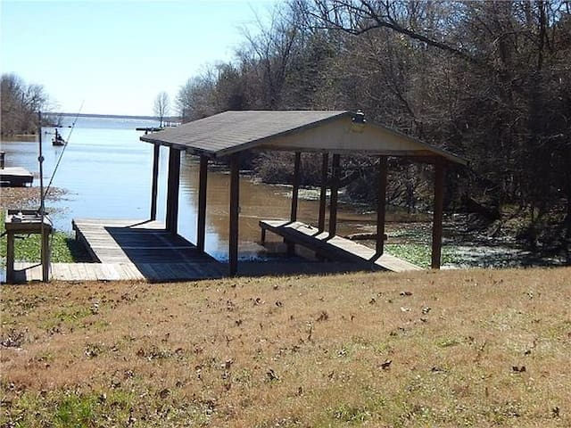 Corry's Guest House Lake Fork Waterfront