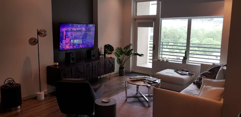 The Ricchi luxurios appt 2b/2B, 1 sofa  super cozy