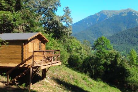 Cabane dans les Pyrénées - Blockhütte