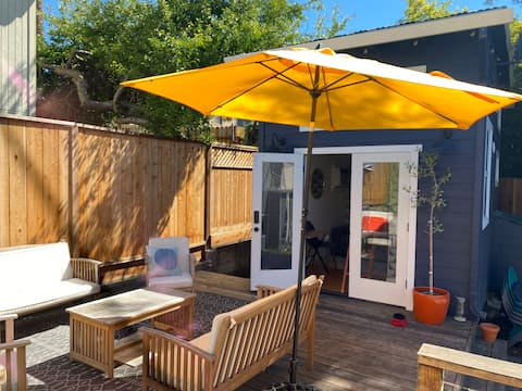 Delightful tiny house with loft in Maxwell Park
