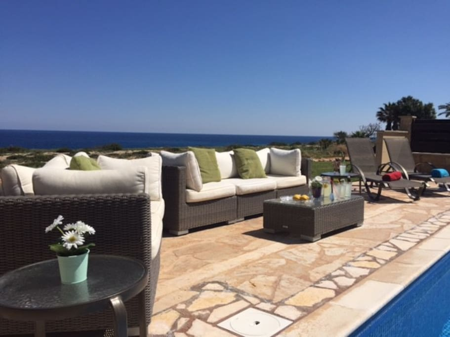 Enjoy the private pool and the sea view or take a short walk to the nearby beach