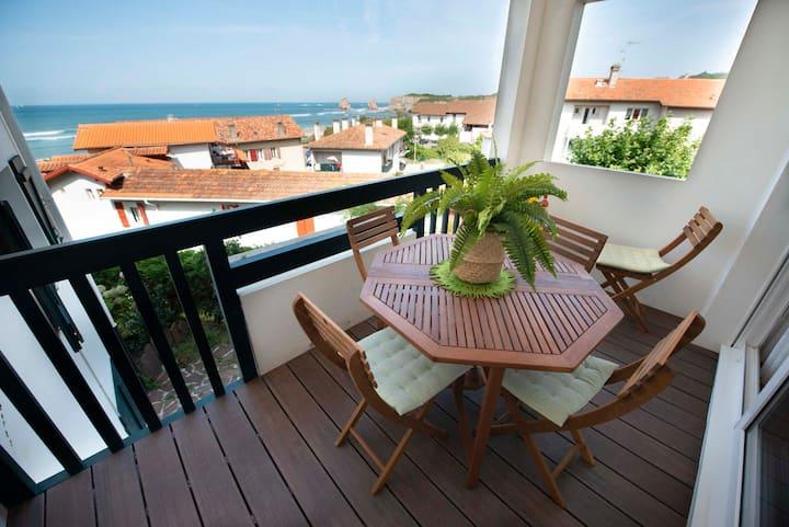 T3 duplex 3***confort-100m plage+parking+wifi.