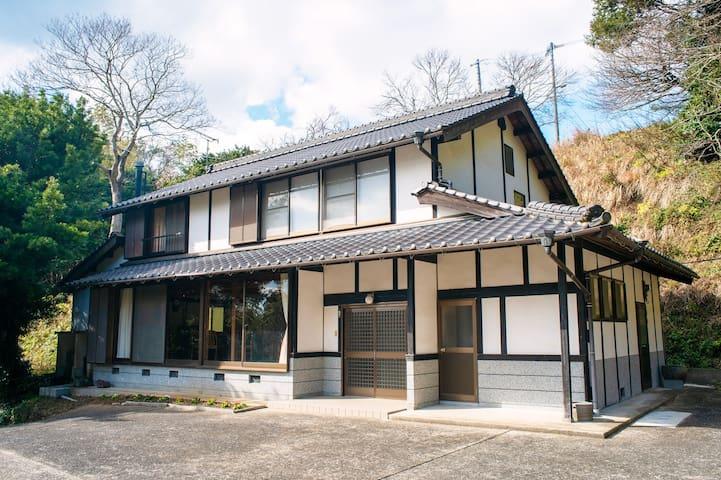 ペットと泊まれる離島の一軒家「HOSHIZORA」