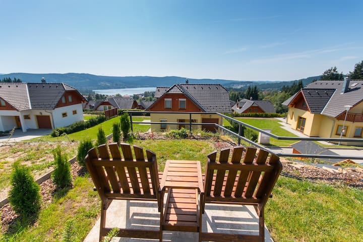 Bungalow w/ stunning view & sauna - family edition