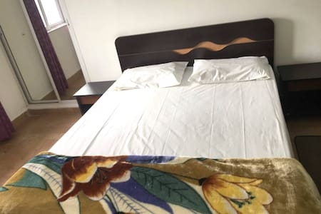 AC Private Bedroom in a spacious Nagpur 3bhk flat