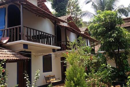 8 BR Duplex Bungalow @ Anjuna Beach - Anjuna
