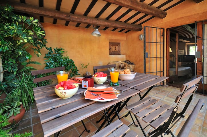 House in Spanish medieval village - Peratallada - Casa