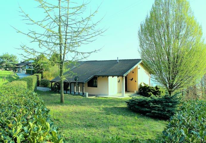 Ferienhaus großer Garten Seeblick - Pettenasco - House
