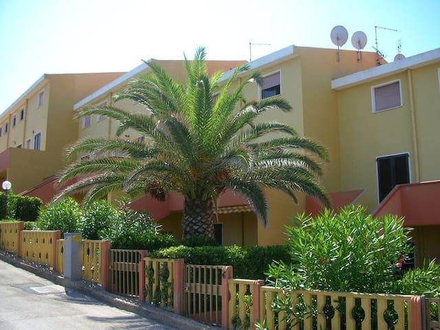 Casa delle Conchiglie - casa-vacanze a Lu Bagnu - Lu Bagnu - Apartemen