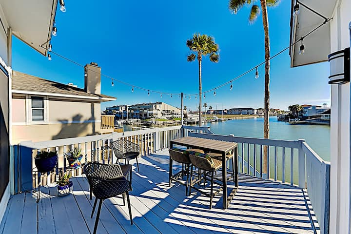 Chic Canal-Front Escape | Dock & Direct Bay Access