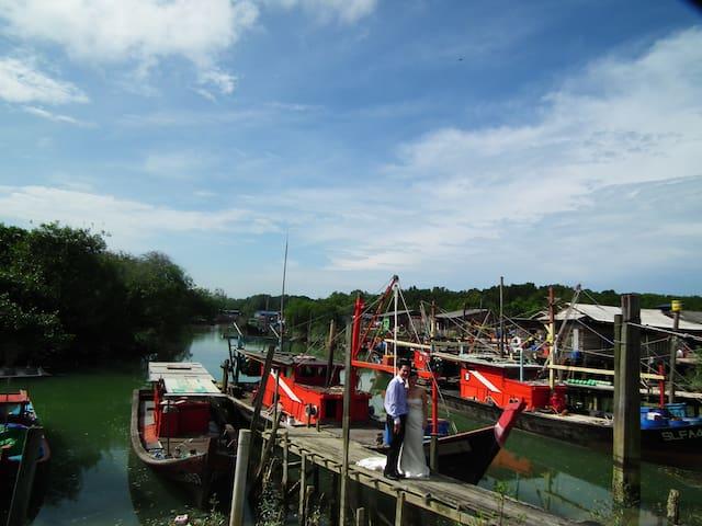 沙沙兰,一个宁静又热情的渔村。 - Kuala Selangor - Cottage