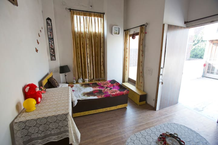 Lovely Air-conditioned Room on Terrace - Amritsar - Haus