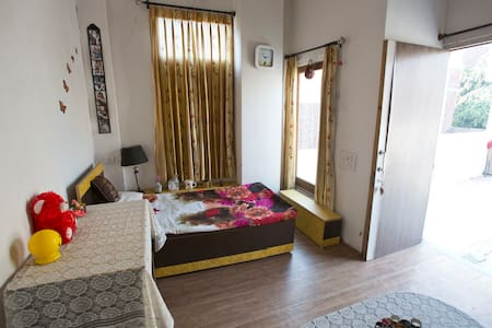 Lovely Room on Terrace - Amritsar - House