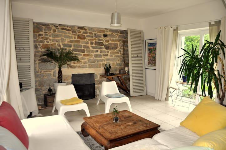 Lovely central house - Pont-l'Abbé - House