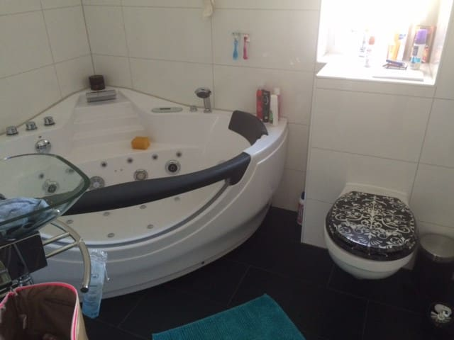 Apartment City mit Jacuzzi - Hattingen - Apartment