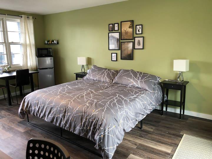 #17 Newly renovated! Horizon Inn (Room #17)
