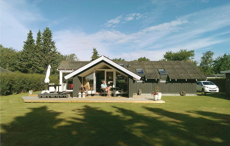 Holiday cottage with 3 bedrooms on 78m² in Otterup
